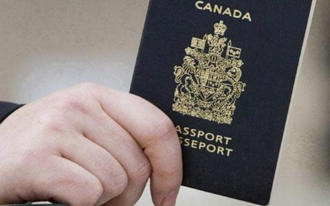 مهلت برای شهروندان دو ملیتی در پی قوانین جدید گذرنامه