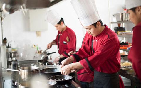 پروژه آزمایشی با هدف محافظت از کارگران آسیب پذیر رستوران ها