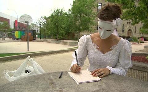 عروس نقاب دار مرموز تورنتو