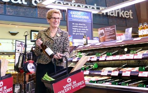 فروش شراب در فروشگاه های مواد غذایی