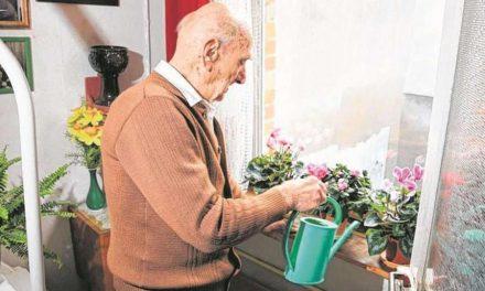 سالمندترین شهروند آلمان ۱۱۱ ساله شد