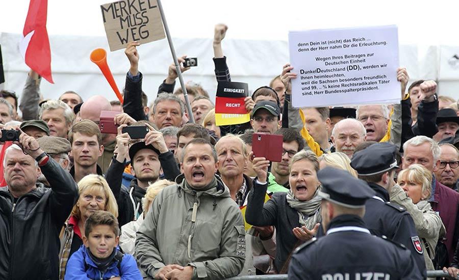 """سالگرد وحدت آلمان زیر سایه """"جنگ ادیان""""/جواد طالعی"""