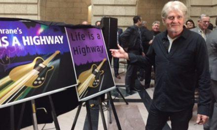 """""""زندگی یک بزرگراهه"""": نام یک آهنگ بر یک بزرگراه"""