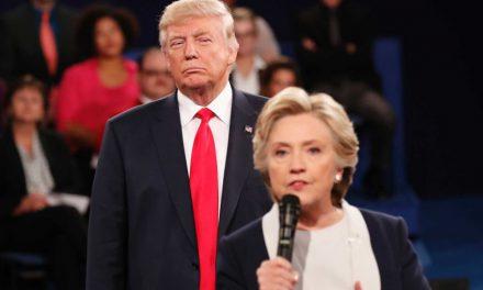 """کلینتون ترامپ را به """"زورگویی به زنان"""" متهم کرد"""