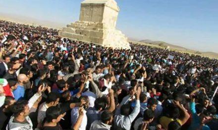 مصادره شعارهای رهبری به نفع کوروش!/اسد مذنبی