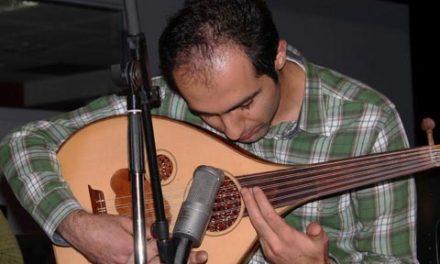 """کمک به کاهش استرس دانشجویان توسط نوازنده ی """"عود"""" ایرانی در آلبرتا"""