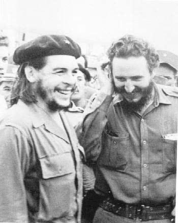فیدل کاسترو (راست) ارنستو چه گوارا
