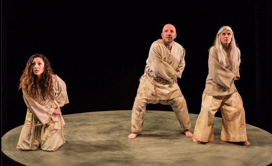 """""""مرگ یزدگرد"""" سهیل پارسا در میان ۱۰ تئاتر برجسته ی سال ۲۰۱۶"""