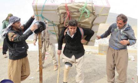 کولبری جدال با مرگ برای زنده ماندن/حسام یوسفی