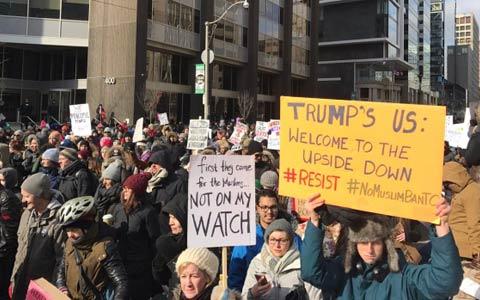 تظاهرات علیه اسلام هراسی و دستورات ترامپ در مقابل سفارت آمریکا در تورنتو