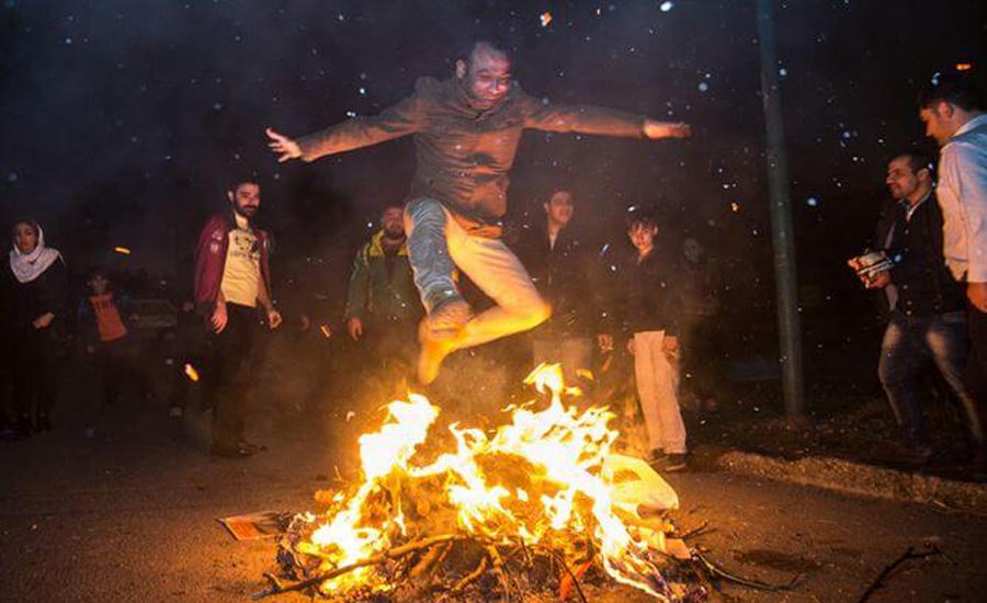 معمای چهارشنبه سوری بین مردم و حکومت چیست؟/مانا ارجمند
