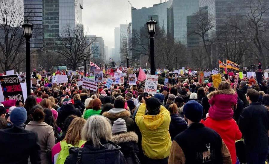 راه پیمایی بزرگ درتورنتو به مناسبت روز جهانی زن