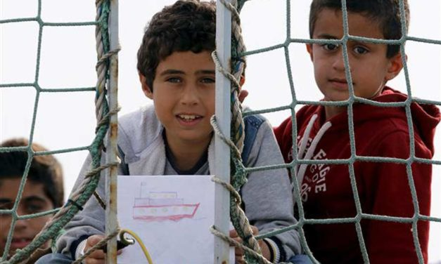 بگذار کودکان سخن بگویند/ عباس شکری