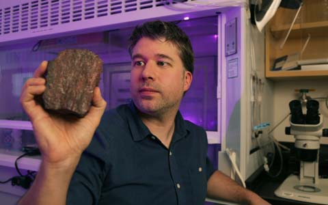 قدیمی ترین اثر حیات بر روی کره ی زمین در کبک پیدا شد