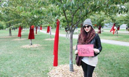 """پروژه ی """"پیرهن قرمز"""" در تورنتو"""