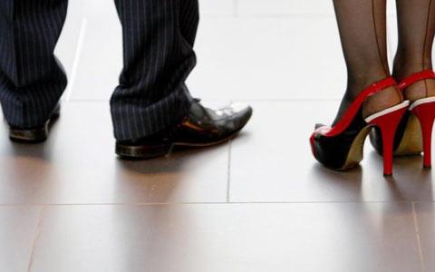 در بریتیش کلمبیا زنان دیگر مجبور به پوشیدن کفش پاشنه بلند نیستند