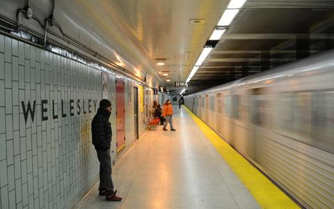 بررسی کیفیت هوای مترو