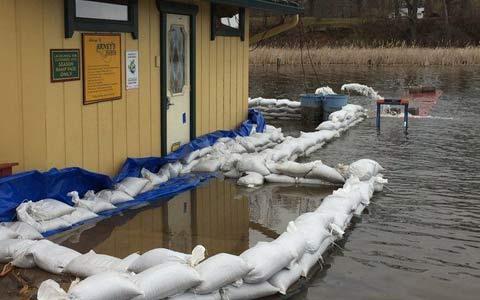 افزایش آب دریاچه ی انتاریو