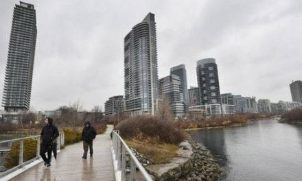 میانگین اجاره بها در تورنتو ماهانه ۲۰۰۰ دلار
