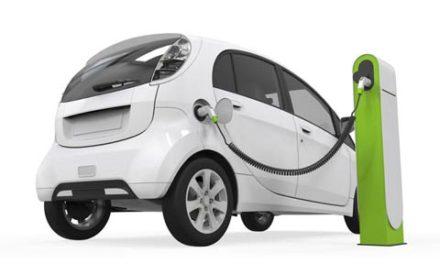 رانندگی با اتومبیل های آینده و شاید بیمه ارزان تر!/فرهاد فرسادی