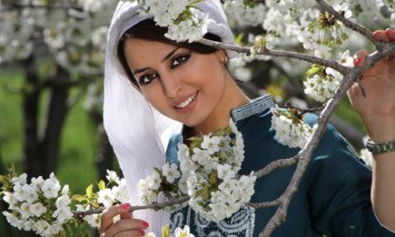 شعری از هیلا صدیقی درباره حجاب و پاسخ عزت مصلی نژاد به آن