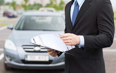نحوه محاسبه و دلایل افزایش حق بیمه اتومبیل از نظر  شرکت های بیمه/فرهاد فرسادی