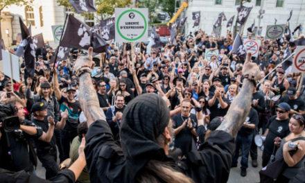 تظاهرات ضد مهاجر در کبک سیتی به خشونت کشیده شد