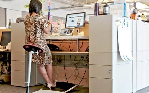 ارتباط مستقیم بیماری های قلبی با ایستادن سرپا در محل کار!