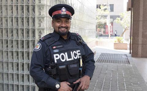 عمل انسان دوستانه افسر پلیس تورنتو