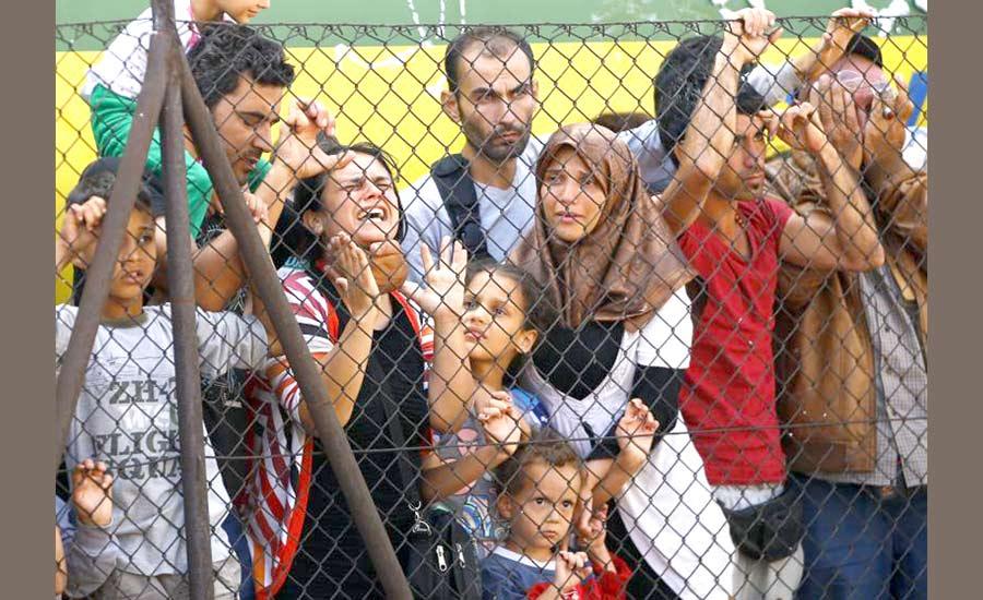 تازه ترین اقدام انسانی آلمان:پناهجویان به اردوگاه های مجارستان بازگردانده نمی شوند/جواد طالعی