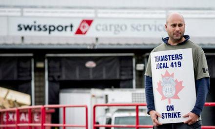 اعتصاب کارکنان خدماتی فرودگاه پیرسون