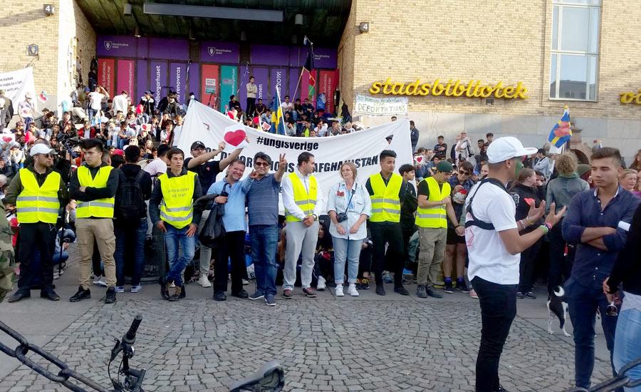 مهرداد درویش پور: نوجوانان پناهجوی تنها در سوئد موفق ترند!/ فرح طاهری