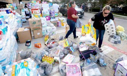 کمک های امدادی کانادا به قربانیان توفان هاروی در ایالات متحده امریکا