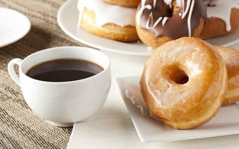 مراقب باشید، مصرف قهوه اشتیاق ما را به شیرینی بیشتر می کند!