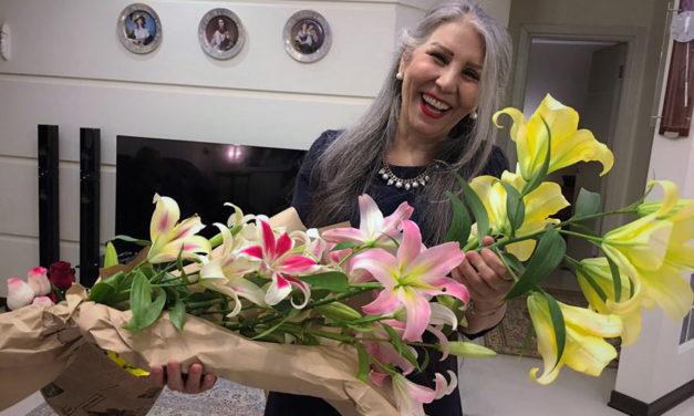 ایرانیان جهان و دستاوردهایشان ـ ۱/ مهوش ثابت برنده جایزه انجمن جهانی قلم