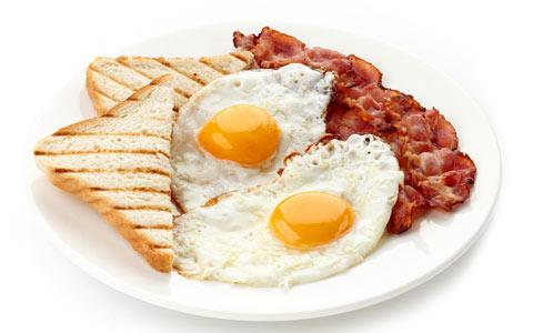 برای سالم ماندن یا صبحانه درست بخوریم، یا از آن صرف نظر کنیم