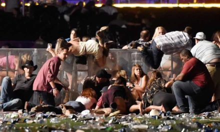 کشتار در لاس وگاس/ برگردان: کریم زیّانی