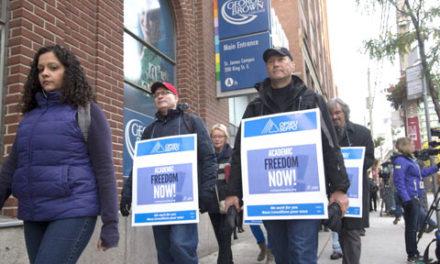 نگرانی دانشجویان از ادامه دار شدن اعتصاب معلمان کالج های انتاریو