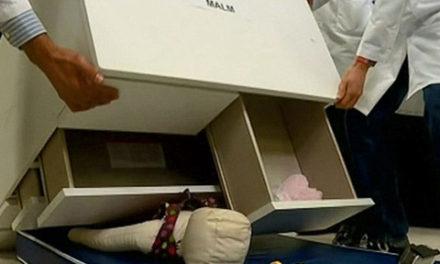کشوهای مدل Malm  شرکت IKEA را برگردانید