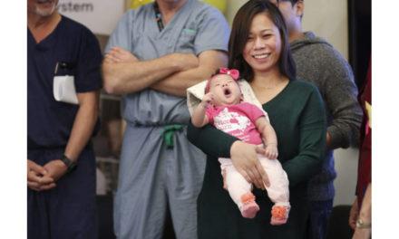 جراحی ستون فقرات جنین در شکم مادر برای اولین بار در کانادا