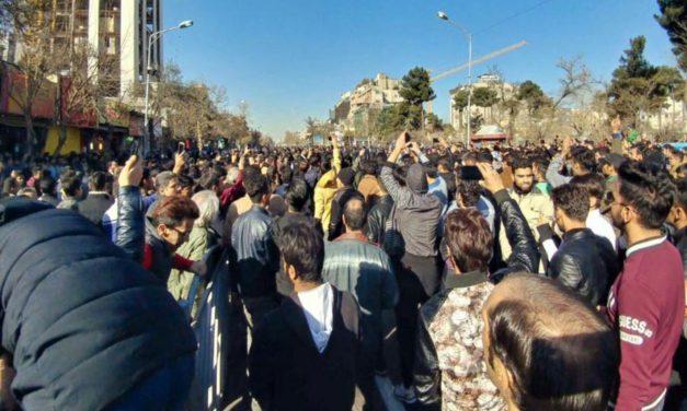 بیانیهی نویسندگان، شاعران و هنرمندانِ تبعیدی در حمایت و پشتیبانی از جنبش و مبارزات آزادیخواهانۀ مردم ایران