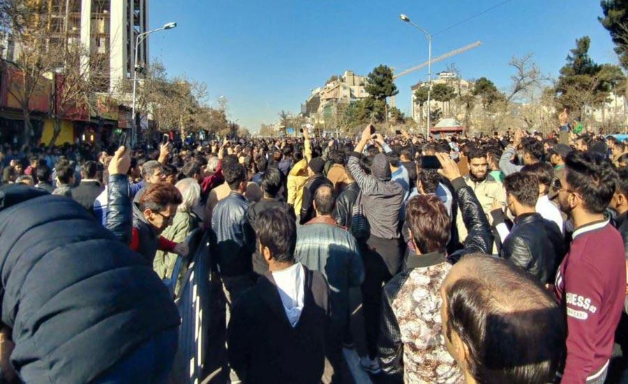 تجمع اعتراضی به گرانی با شعار «مرگ بر روحانی» و «نه غزه، نه لبنان» در مشهد