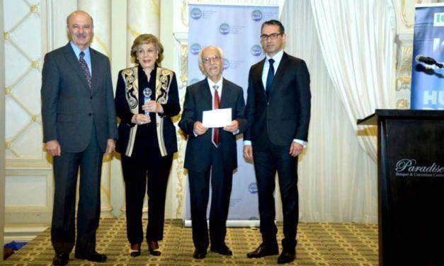 جایزه حقوق بشر ICHR به دکتر پیام اخوان اهدا شد
