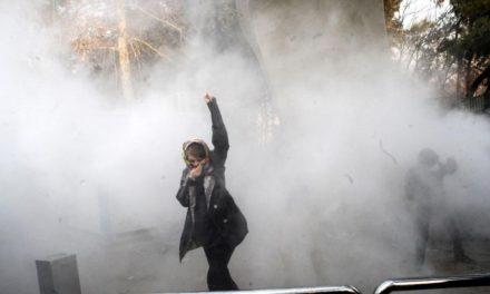 بیانیهی جمعی از نویسندگان، شاعران  و هنرمندا ن ایرانی در سوئد در پشتیبانی از جنبش و مبارزات آزادیخواهانه مردم ایران