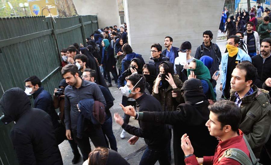 حمایت بیش از یکصد تن از نویسندگان، شاعران و هنرمندان از فریاد معترضین ایرانی