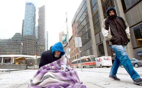 درخواست فوری جان توری برای افزایش میزان تخت خواب در پناهگاه های تورنتو