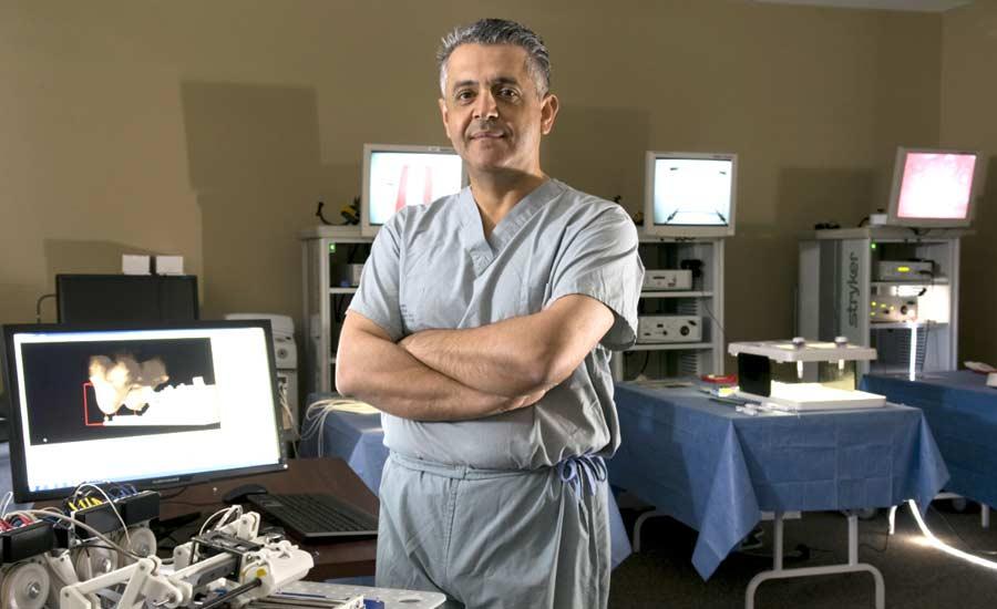 ایرانیان جهان و دستاوردهایشان/ ۱۶/دکتر مهران انوری؛ از پیشگامان جراحی روباتیک در جهان