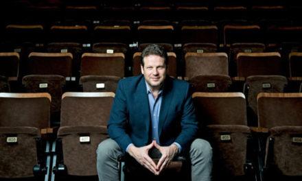 کاهش بودجه برای کمپانی تئاتر به دلیل سوءرفتار جنسی مدیر