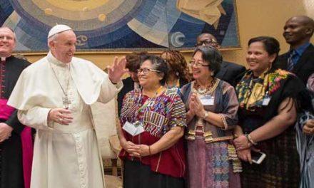 رهبر کاتولیک های جهان از بومیان کانادا معذرت خواهی نمی کند!