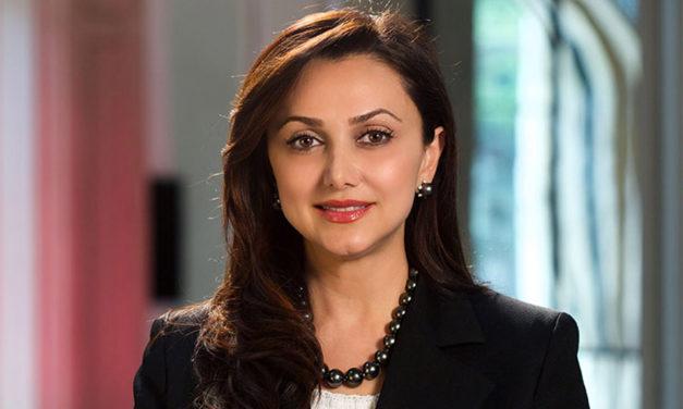 ایرانیان جهان و دستاوردهایشان/ ۲۵/آشنایی با بیتا دریاباری، فعال حوزه ی فرهنگ و ادب